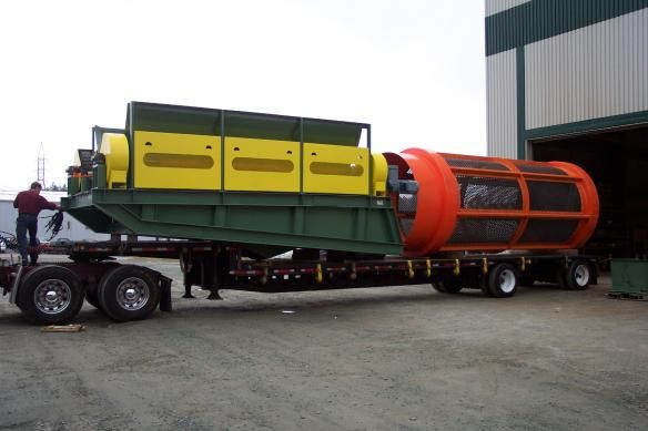 33Trommel and its structure on a trailer being shipped